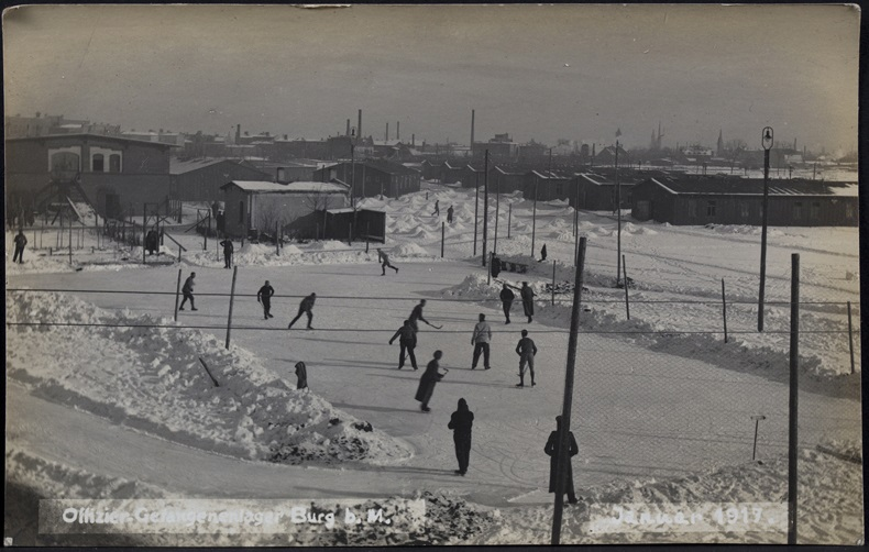 POW Allied officers playing ice hockey Burg bei Magdeburg camp 1917 cropped