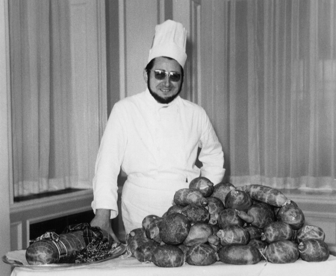 Chef with a large pile of Haggis at Gleneagles Hotel, c.1960 (National records of Scotland, BR/HOT/4/134)