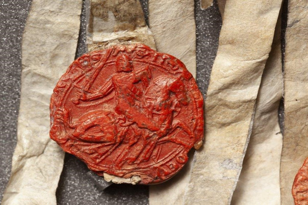 Seal of Sir Ingram de Unfraville died c 1321